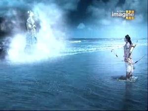Варуна обещает Раме спокойный океан...