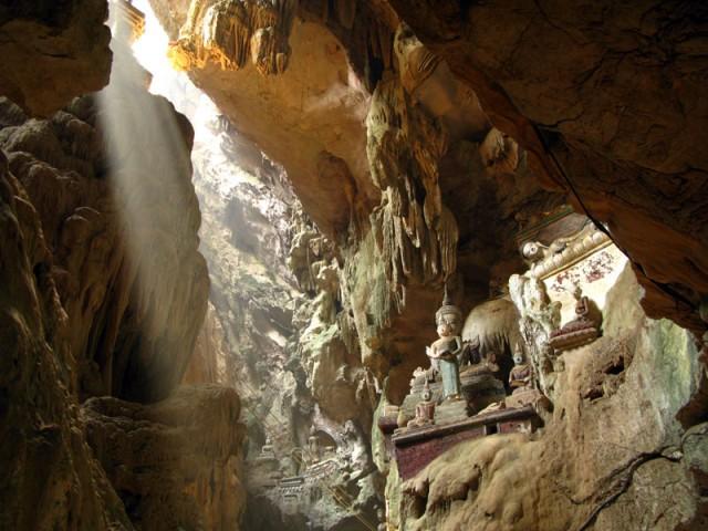 В пещере Чианг Дао