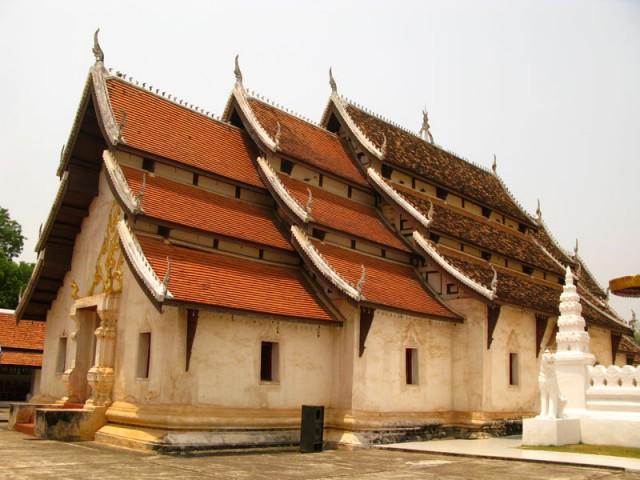 Храм Пра Тат Че Хенг, провинция Нан