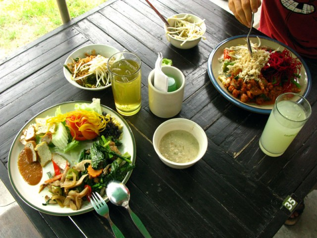 Обед в Кун Чурне