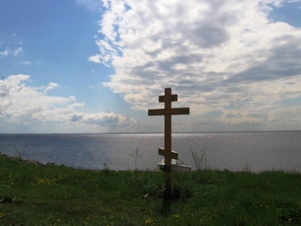 крест на Талабском острове
