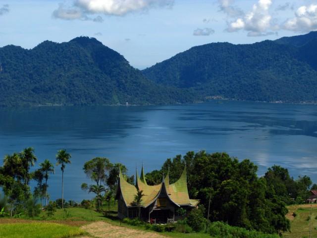 Озеро Манинджау