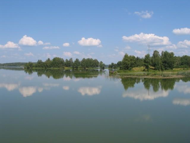 Одно из Каслинских озер.