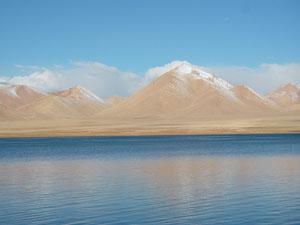 Озеро в Аксай Чин