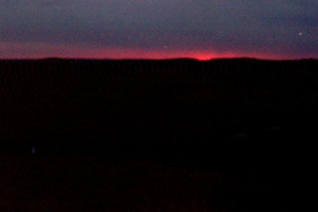 такой вот восход...мрачновато...но - мой!)))
