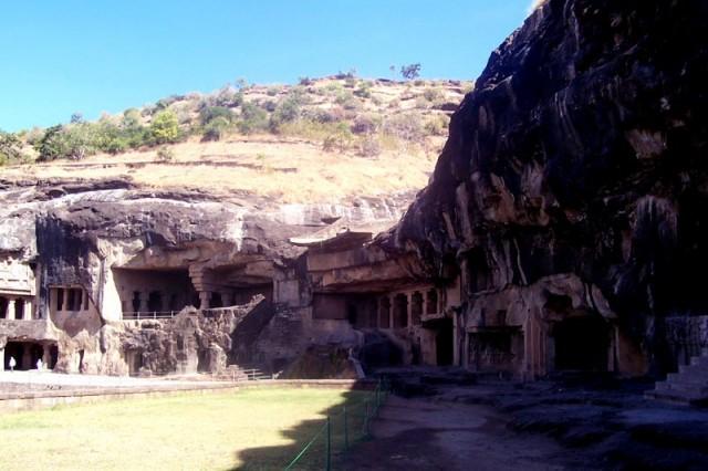 Эллорские пещеры