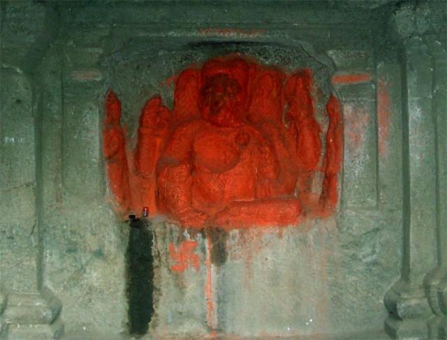 Ганеш в своей пещере