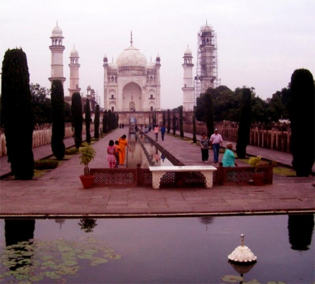 """Это как раз тот самый """"poor mans Taj Mahal""""(по данным Лонли плэнет)..."""