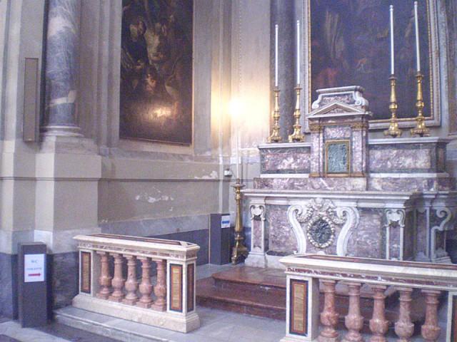Кафедральный собор Палермо - туалет прямо в одной из капелл! Такого я еще не видела никогда!))