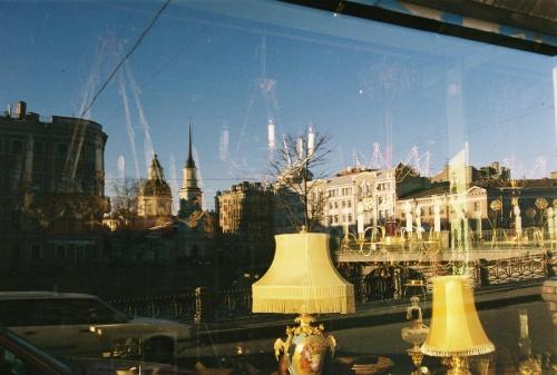 город в витринах