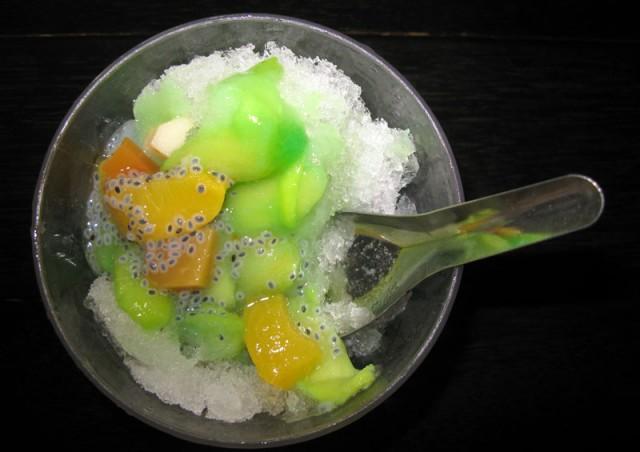 Снег с фруктами