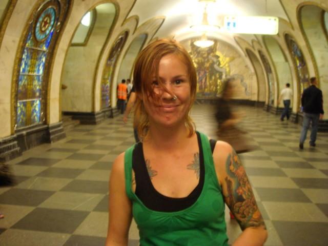 в московском метро так прикольно!