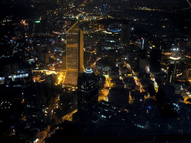 Куала Лумпур ночью, вид с Менары