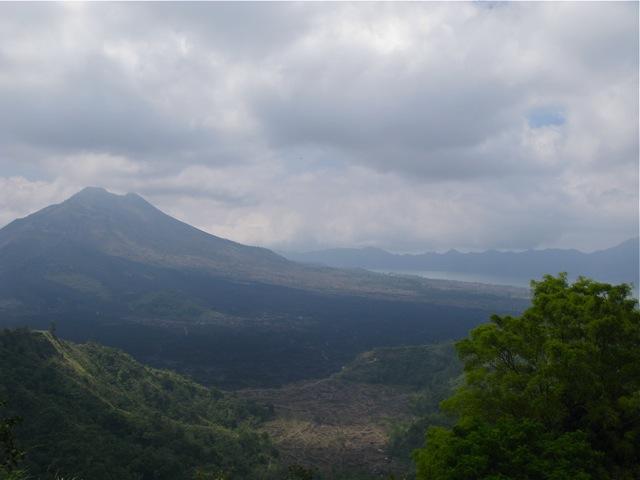 Один из вулканов на Бали