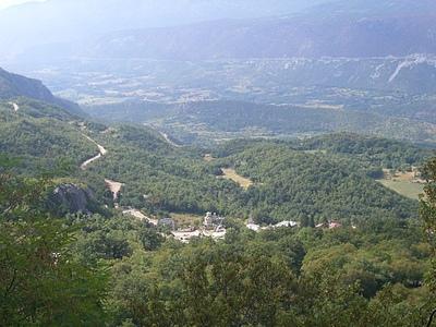 Вид от монастыря Острог