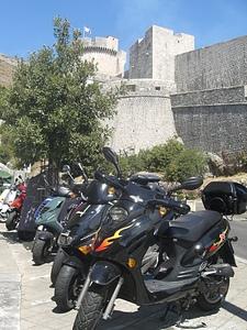 Моцики в Дубровнике