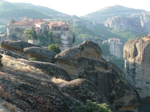 монастыри на скалах