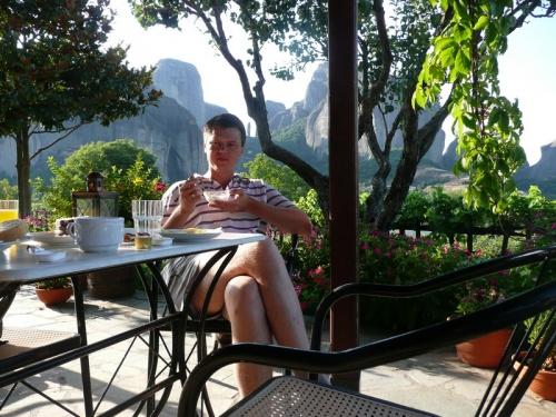 завтрак в окружении гор...