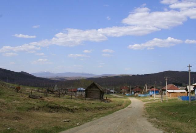 деревня Керябинка с видом на Иеремель