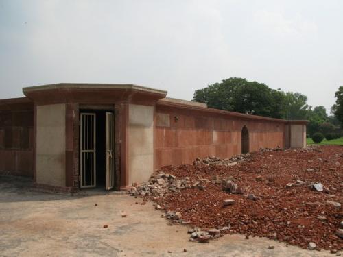 гробница Najafkhan'а в близи