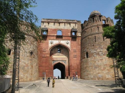 Главный вход в крепость