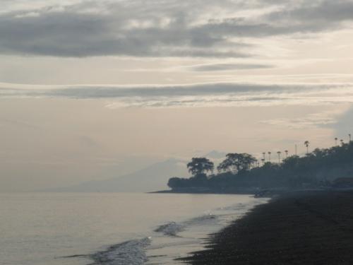 Утром видно Ринджани на Ломбоке