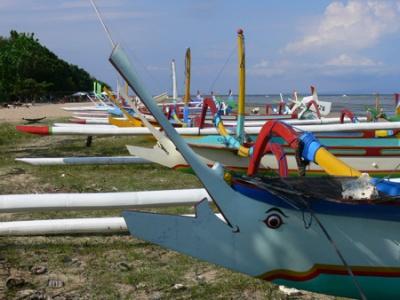 лодки в Сануре, Бали