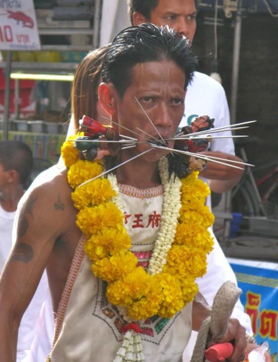 Вегетарианский фестиваль на Пхукете, Таиланд 1