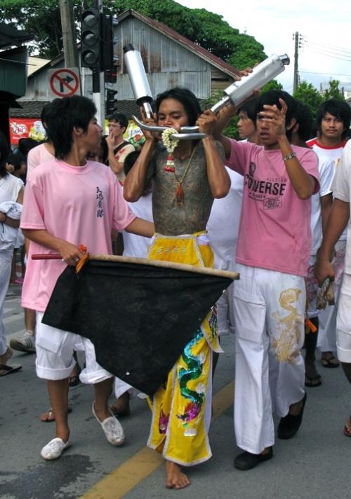Вегетарианский фестиваль на Пхукете, Таиланд 10