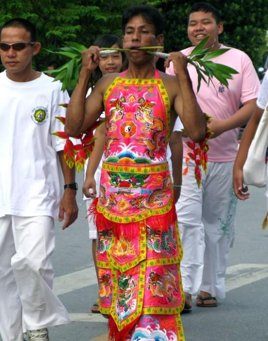 Вегетарианский фестиваль на Пхукете, Таиланд 11