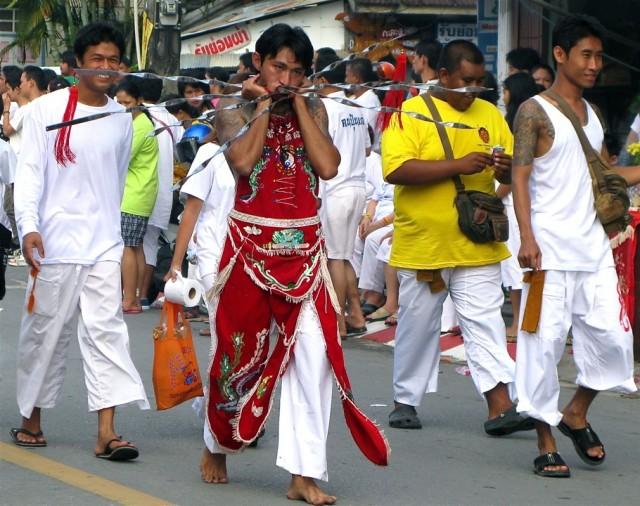 Вегетарианский фестиваль на Пхукете, Таиланд 20