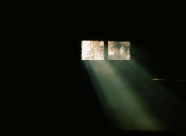 Свет в оконце
