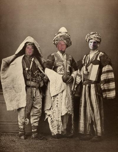 трое...переправившись через Мраморное море