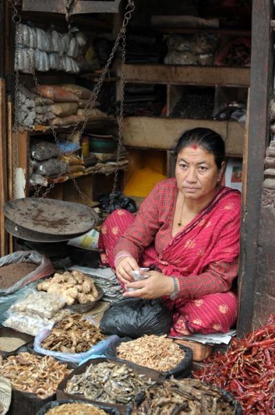 Бакалея на рынке в Катманду