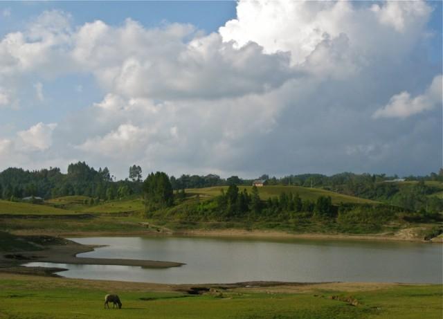 Озеро Сидихони на острове Самосир в озере Тоба на острове Суматра