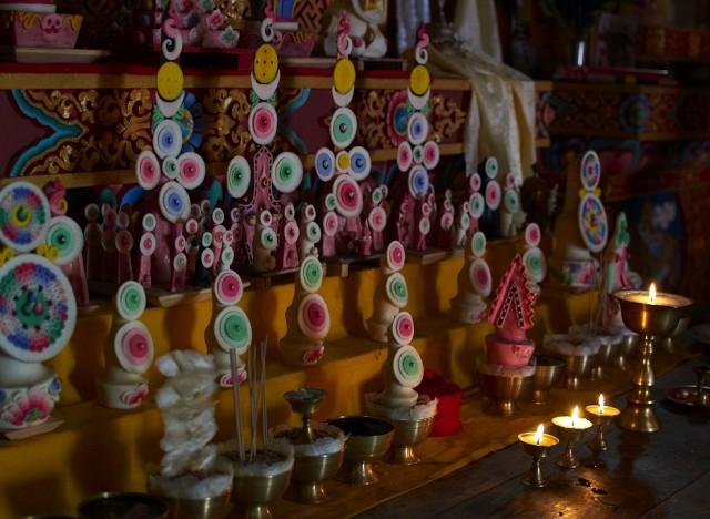 Статуэтки из масла яка в монастыре
