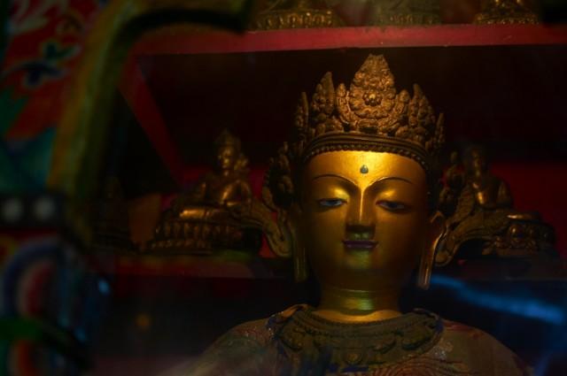 Будда в монастыре