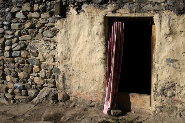 Дверь с стене