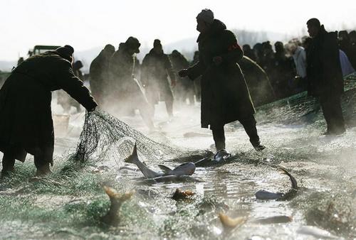 Традиционный рыболовный фестиваль прошел в китайском Чаньчуне