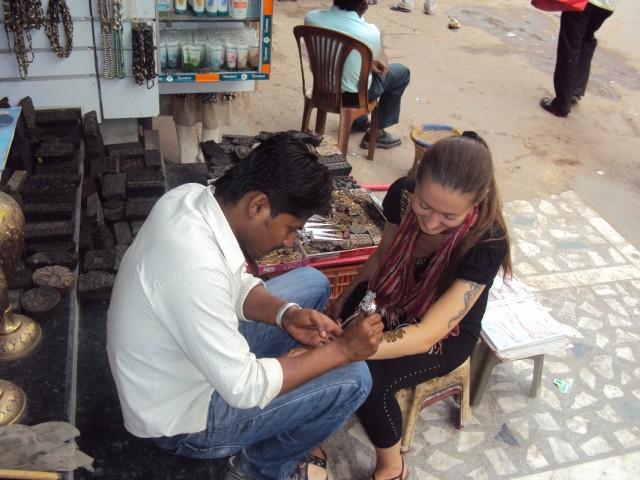 main bazaar, mehendi