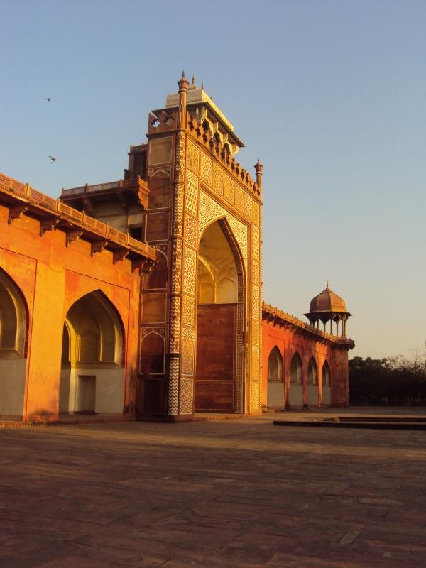 Akbar's tomb (sunrise)