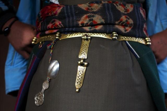 Тибетский пояс с серебряной ложкой - принадлежность замужней женщины