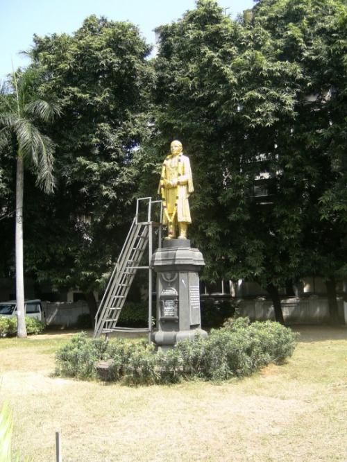 Памятник с трапом - для ТО и смены гирлянд