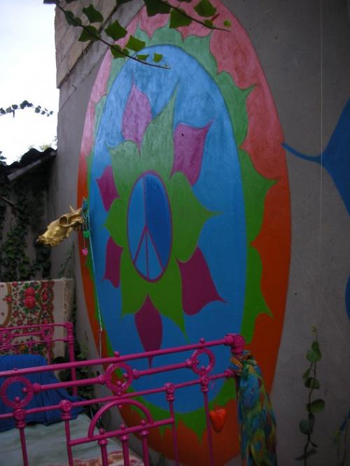 стена гаража на даче