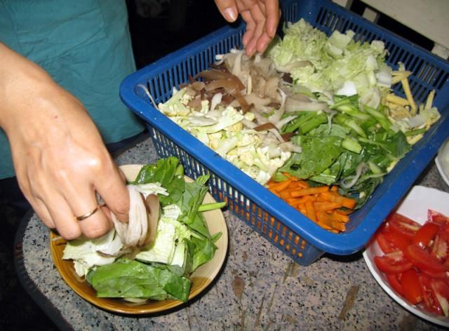 понемножку разных овощей и грибов