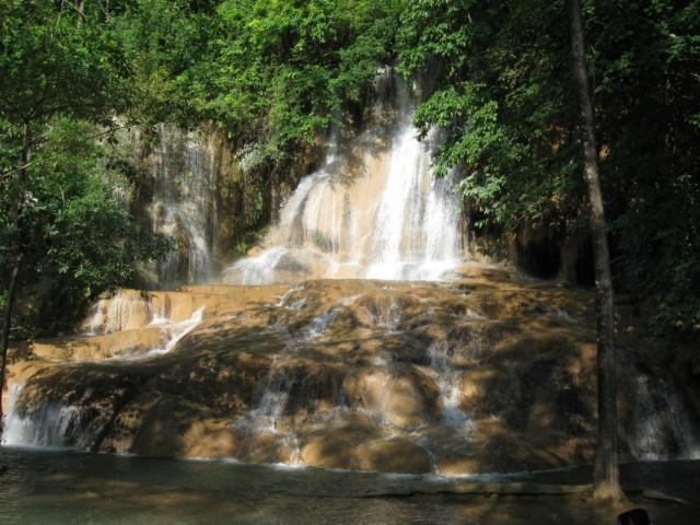 Водопад Сай Йок.