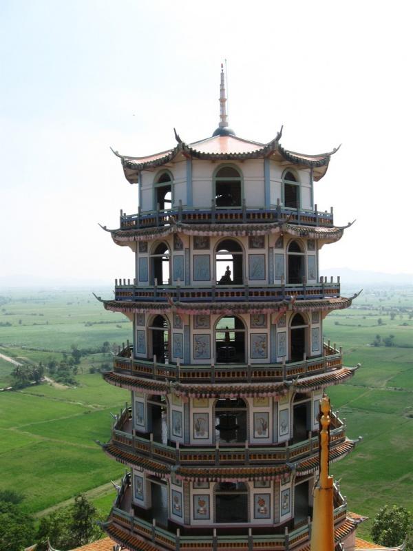 Ват Тхам Кхао Ной