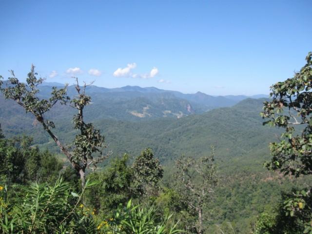 Вид со смотровой площадки между Паем и Мэ Хонг Соном.