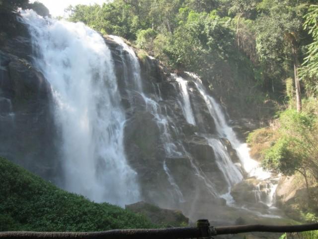 Водопад Нам Ток Вачиратан