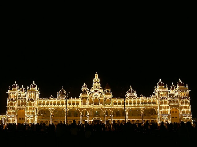 Майсурский дворец ночью